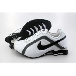 Chaussures de course Nike Shox R4 pour homme et blanc/gris foncé